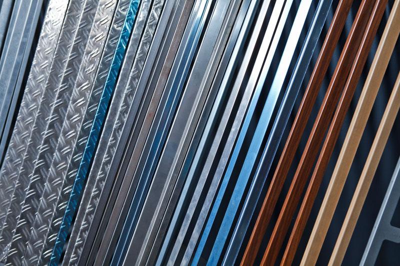 Profili semilavorati in alluminio acciaio ottone for Profili alluminio leroy merlin